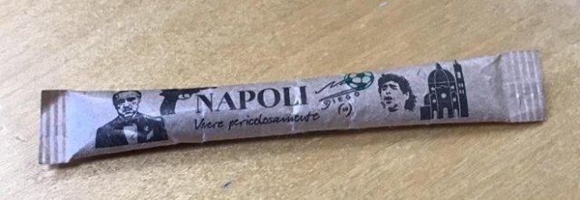Uno zucchero che lascia l'amaro in bocca ai napoletani. L'assurda trovata pubblicitaria che associa Napoli solo alla criminalità organizzata.