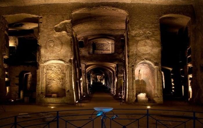 """Questa sera circa 200 magistrati si ritroveranno presso le Catacombe di San Gennaro per sostenere il progetto della Cooperativa """"La Paranza""""."""