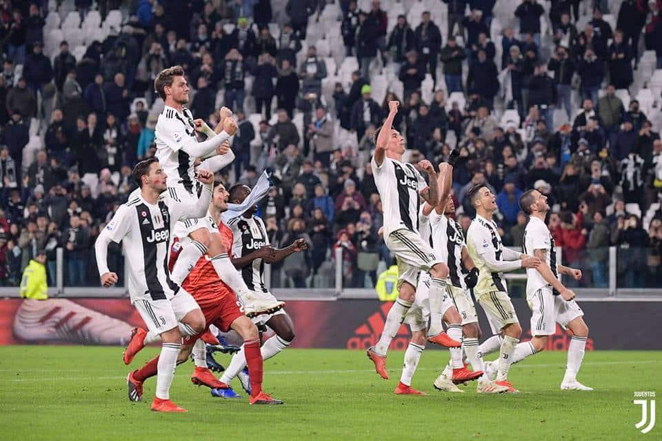 Juventus vs Valencia: oltre al ballottaggio in attacco, tornano i big in difesa e Matuidi dovrebbe partire dal primo minuto.