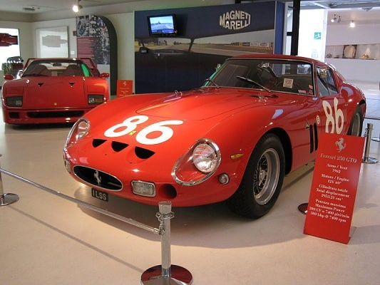Qual è l'auto più costosa al mondo? Scopriamo insieme le caratteristiche e la sua prestazione di guida. Ecco le classifiche