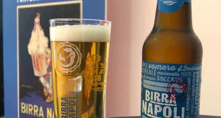 Peroni torna a produrre a Napoli e rilancia la storica birra Napoli.Etichetta azzurra e con l'indicazione di tutti i quartieri della città