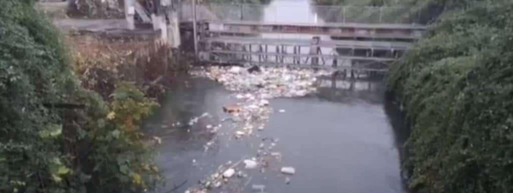 Roma - 41 sindaci seduti intorno al tavolo del Ministro dell'Ambiente Costa perdiscutere della bonifica del fiume più inquinato d'Europa.
