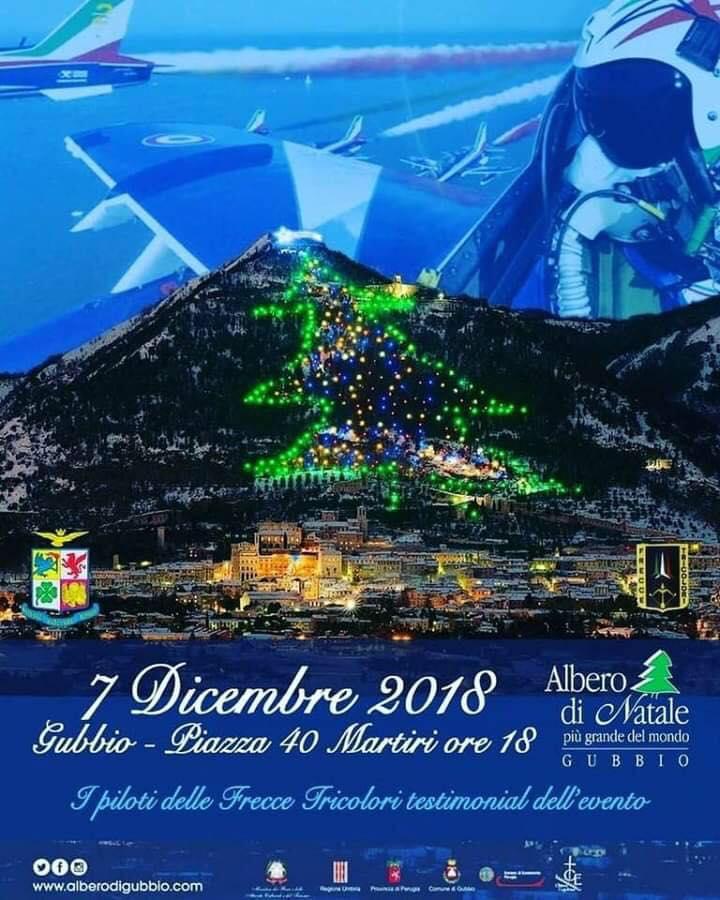 Gubbio,magica ed incantevole,una vera città del Natale;dall'Albero di Natale più grande al mondo alle tante attrazioni per grandi e piccini