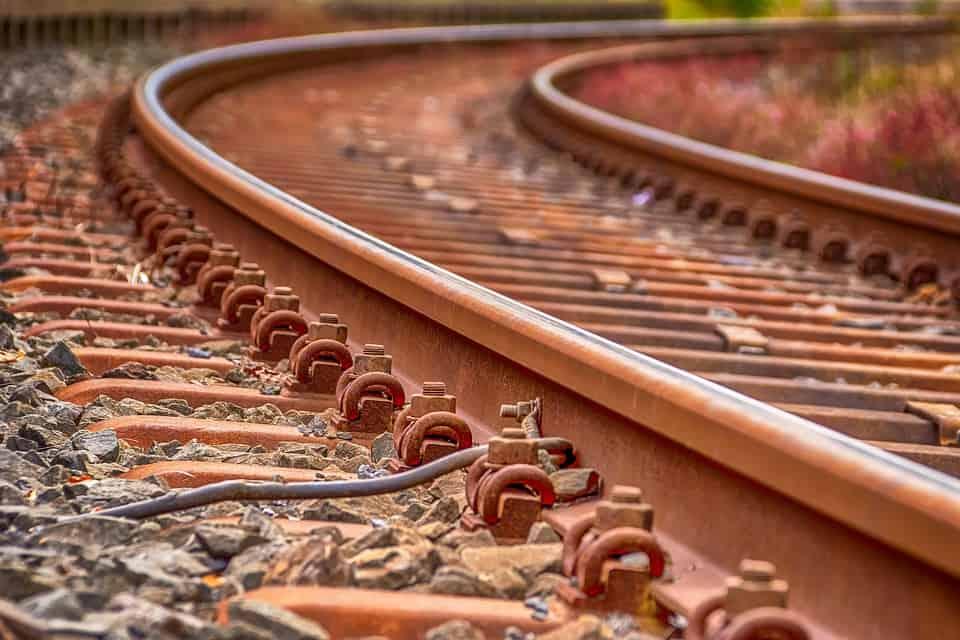 Approvata la delibera per la soppressione della linea ferroviaria Castellammare -Torre Annunziata. Raccolta firme per dire NO ALLA CHIUSURA.