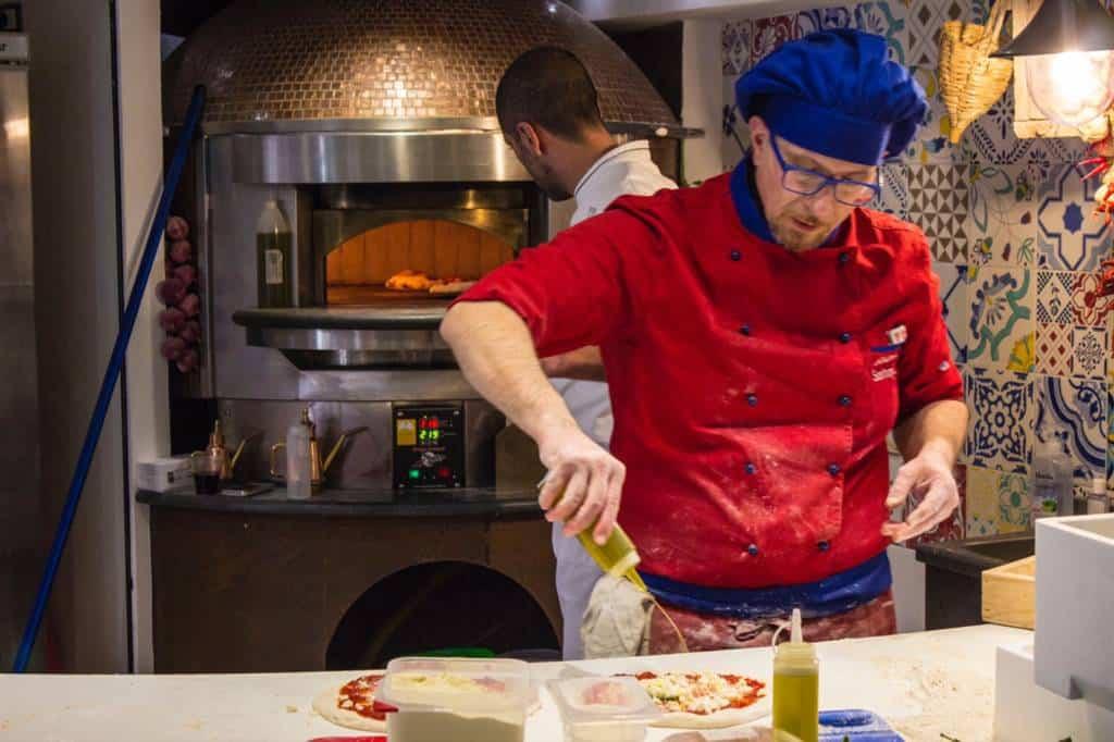 Giovanni Santarpia, pizzaiolo stabiese tra i migliori in circolazione a livello nazionale, fa capolinea nella sua Castellammare di Stabia