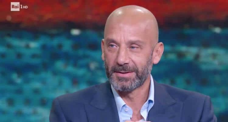 """Intervista Gianluca Vialli: l'ex bomber di Juventus e Sampdoria ha parlato della sua malattia in diretta a """"Che tempo che fa""""."""