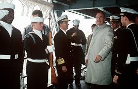George H. W. Bush, il quarantunesimo presidente USA, è morto all'età di 94 anni. A renderlo noto il figlio Geroge W. Bush, a sua volta presidente degli Stati Uniti (2001-2009), in una nota. L'ex presidente, malato da tempo di Parkinson, era costretto su una sedia a rotelle ed è venuto a mancare alle 10 di venerdì.