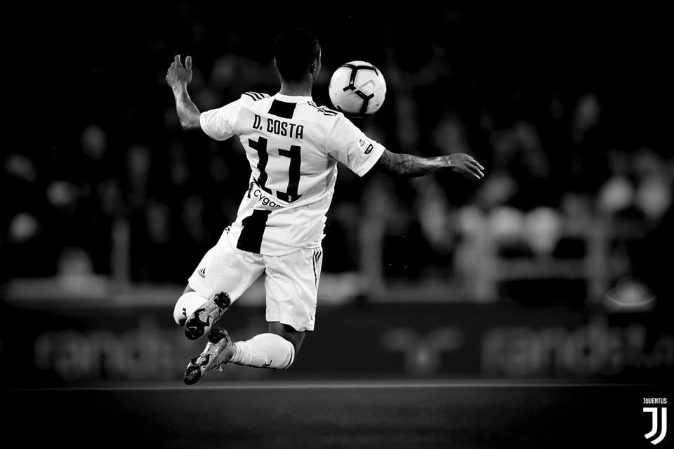 Young Boys vs Juventus: riposano Chiellini e Dybala, torna il 4-4-2 con Douglas Costa e Bernardeschi in campo dal primo minuto.