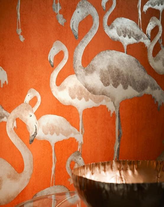 Negli ultimi anni, dopo un periodo di assenza nell'ambito della decorazione d'interni, sta tornando di moda l'utilizzo della carta da parati.