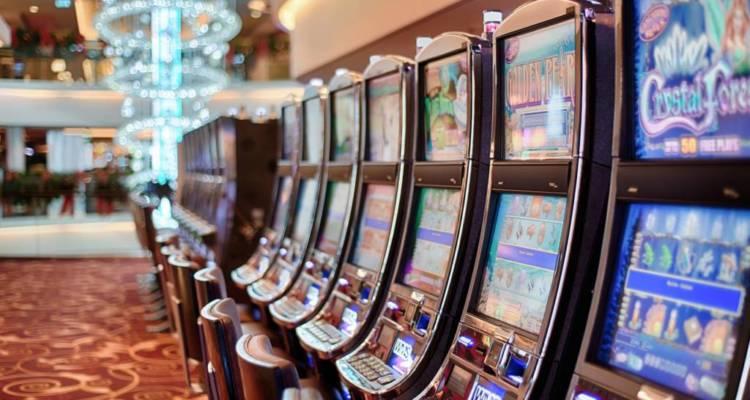 Casino, scommesse e gioco online, intrattenimenti amati dagli italiani. Iil volume d'affari cresce, merito anche del contrasto agli illegali