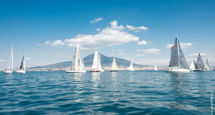 Salperanno da Torre Ann.ta, dallo scoglio di Rovigliano, lambiranno le acque di Ischia e Procida e taglieranno il traguardo a Castellammare.