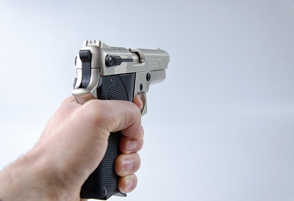 Questamattina, intorno alle 3,30, una famiglia di Scafati è stata vittima di una violenta rapina - banditi armati e con il volto coperto