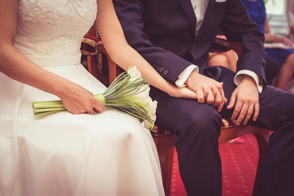 Batacaln, rimasti vedovi a seguito dell'attentato, si innamorano e si sposano