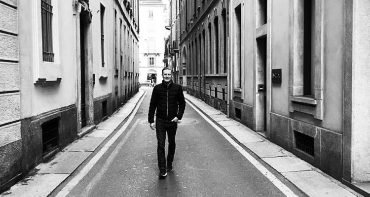 Bryan Adams (foto da Facebook)