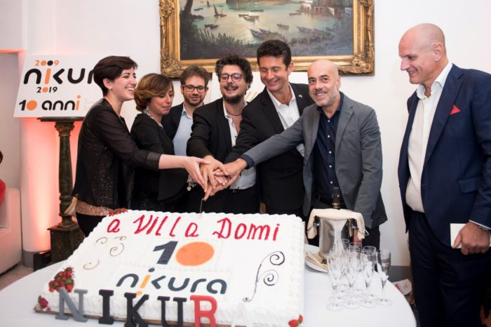 Per festeggiare questo primo importante traguardo l'Agenzia ha scelto Villa Domi dove ha riunito oltre 500 ospiti, fra amici e collaboratori