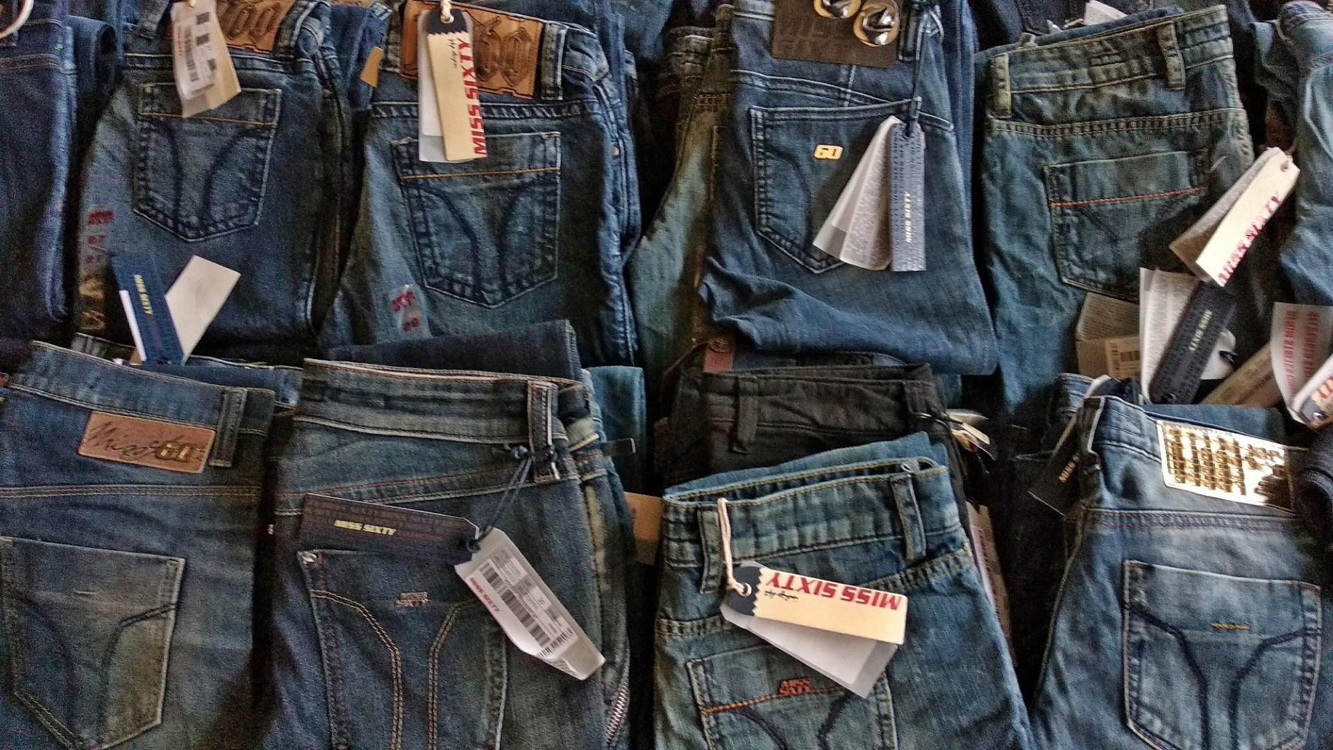 Tutte abbiamo in armadio paia di jeans di diversi modelli: abbiamo qualche consiglio da darti, su quale, quando e come sceglierlo!