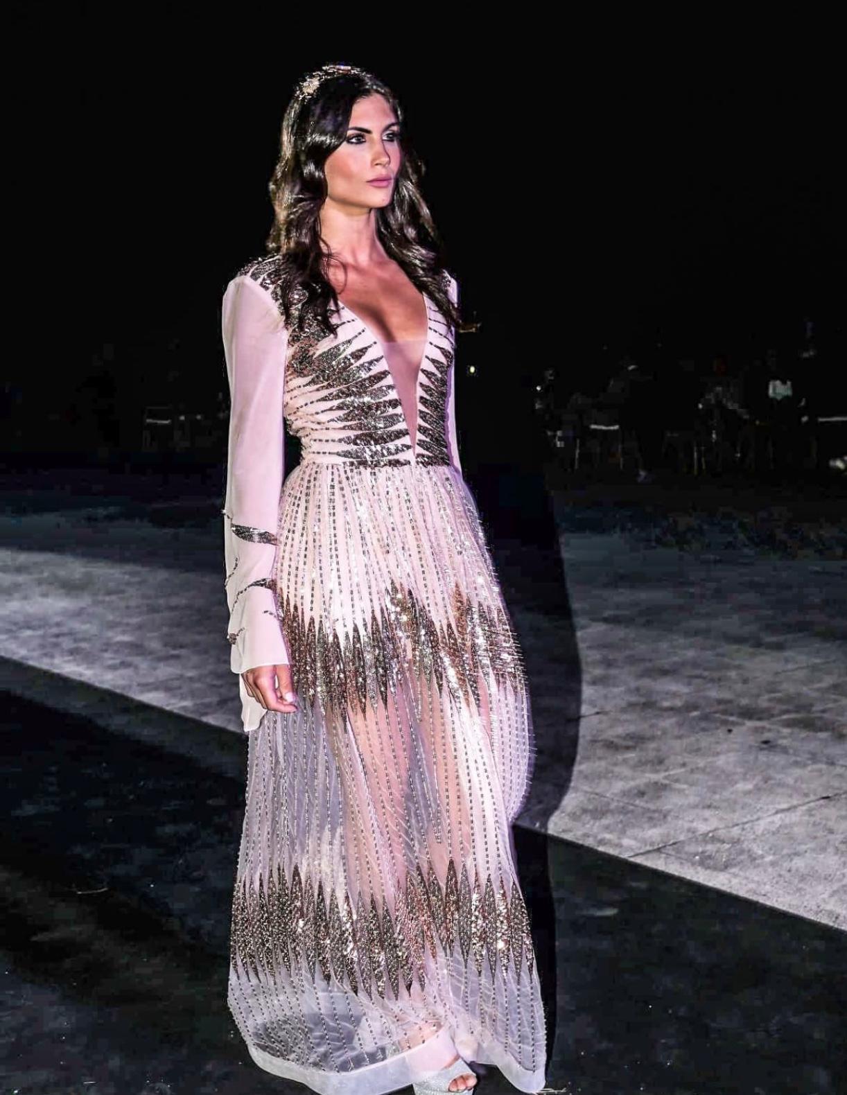 Il brand fondato dall'imprenditrice Ester Gatta, vestirà due mannequin che affiancheranno i conduttori Crea e Mariani per uno Speciale Sanremo