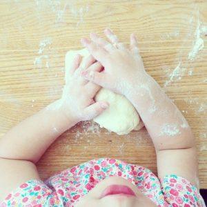 pane fatto in casa con i bambini