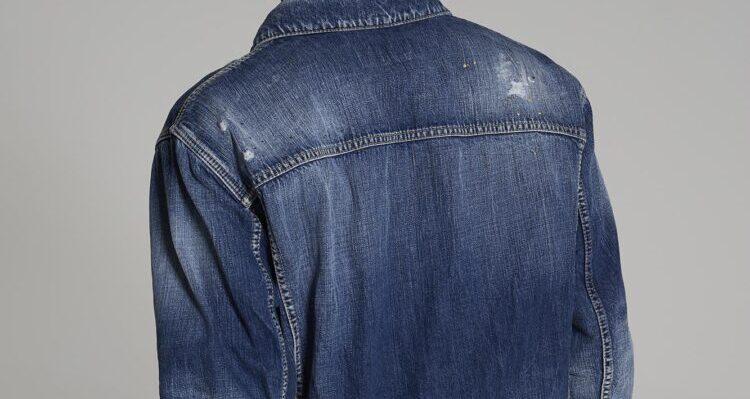 Le tendenze nella linea abbigliamento uomo 2020 di Dsquared2, il brand più originale e graffiante nel parco internazionale della moda.
