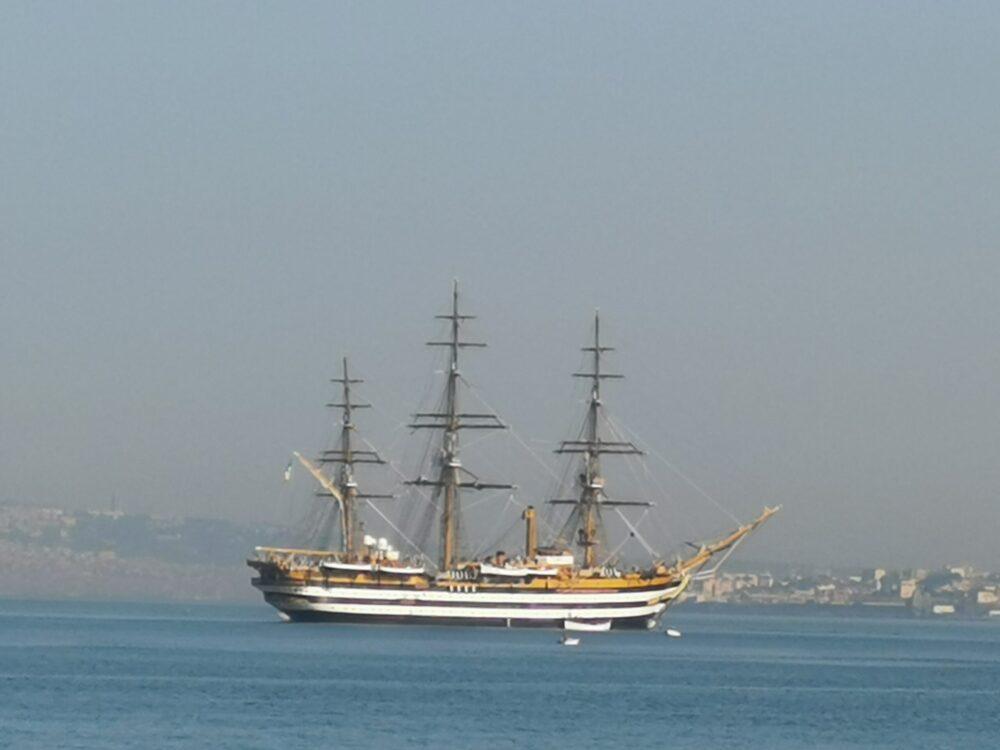 Comunicato congiunto del Sindaco Cimmino e del Comandante dell'Amerigo Vespucci, Bacchi, per la visita della nave scuola nella città natale.