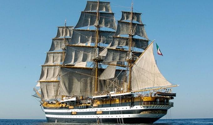 L'Amerigo Vespucci, orgoglio dei cantieri navali stabiesi, oggi, 22 febbraio 2021, compie 90 anni. Il documentario di Libero Ricercatore